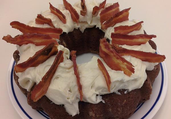 bacon-maple-bundt-cake