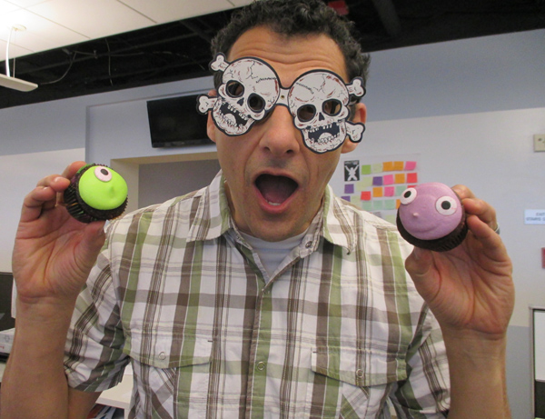 bill-halloween-cupcakes