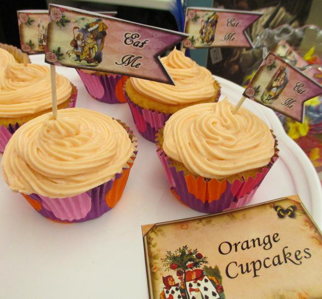 unbirthday-eat-me-cupcakes