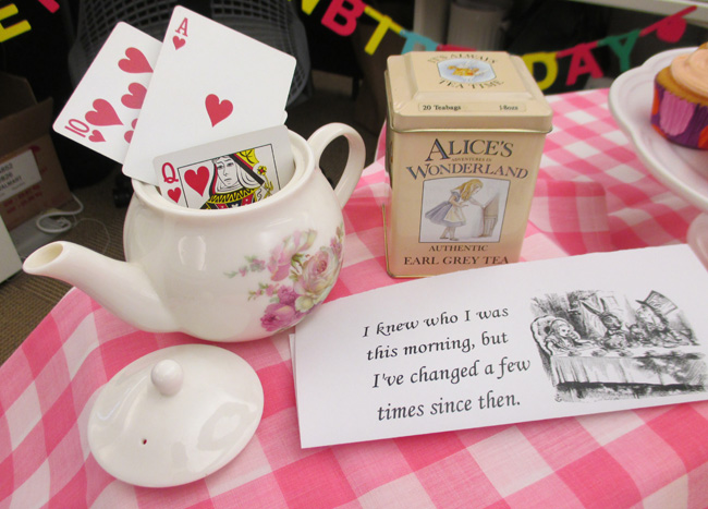 unbirthday-teapot