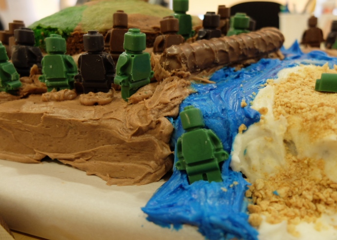 gi-joe-cake-waterfall