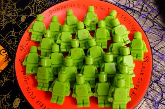 Little green Lego men make delicious Halloween candy